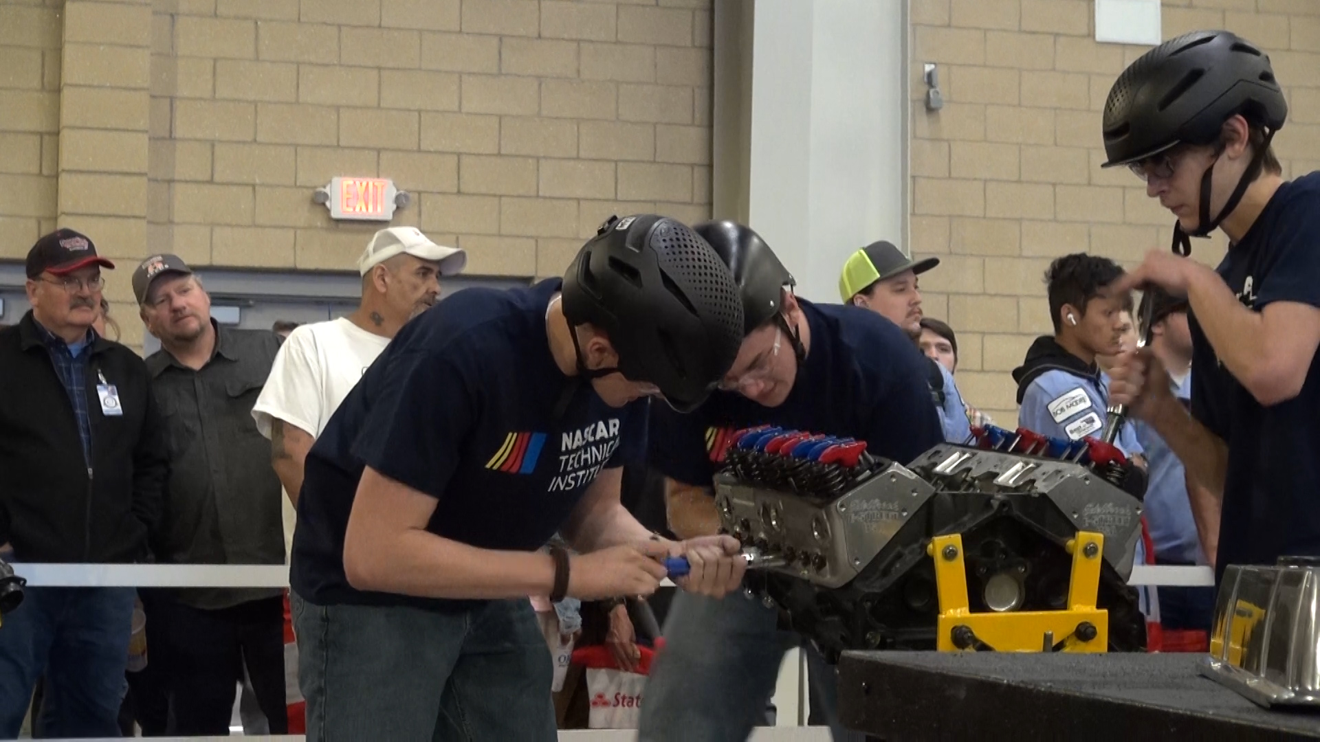 Students rebuild car engine at competition